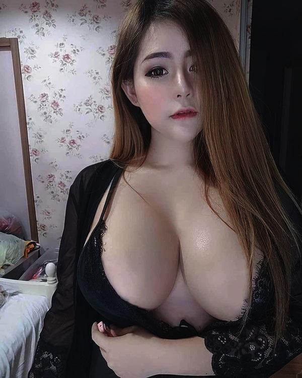 ảnh ngực đẹp
